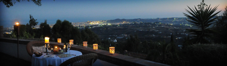 Open air dining in Mijas