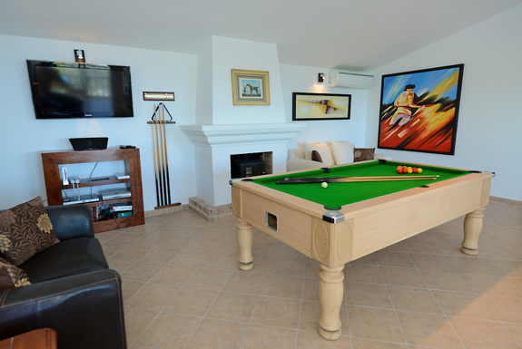 Casa Adelate Games room