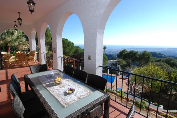 Dine Al fresco at Alta Mira holiday villa, Mijas, Spain
