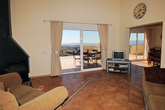 Spacious lounge at Casa Amapola holiday villa, Mijas, Spain