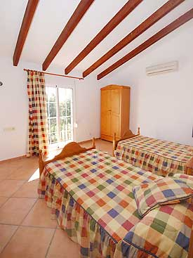 One of the twin bedrooms at Casa Christina, Mijas