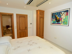 Double bedroom at Casa Claveles