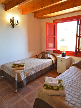 The ground floor twin bedroom at Chalet Sophia