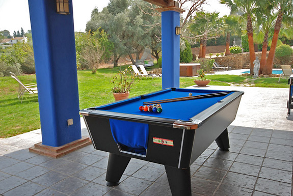 Enjoy a game of pool at Finca Maroc Holiday Villa, Alhaurin