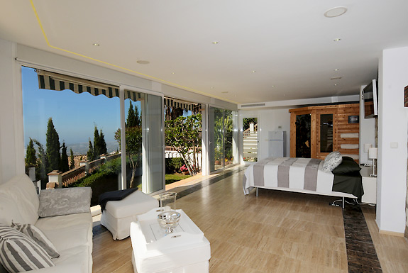 The 1 bedroom suite at Casa la Noria holiday villa for rent in Mijas, Spain