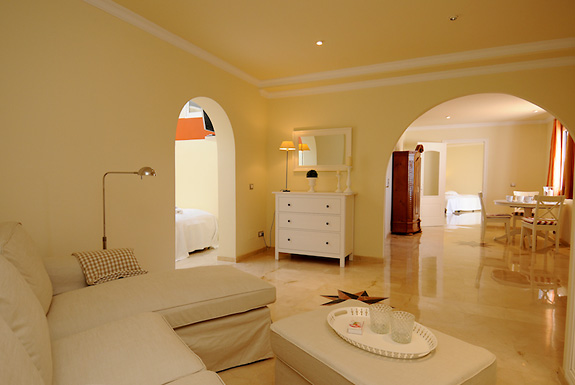 Lounge in the 2 bedroom apartment at Casa la Noria holiday villa for rent in Mijas