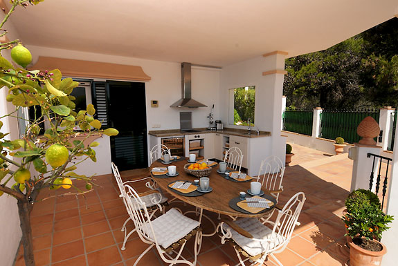 Al fresco dining on the uper terrace at Casa la Noria, Mijas Pueblo, Spain