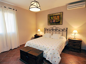 Spacious air conditioned bedroom at Senorio del Olivar, Mijas