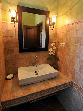 Modern bathroom at Senorio del Olivar, Mijas holiday villa