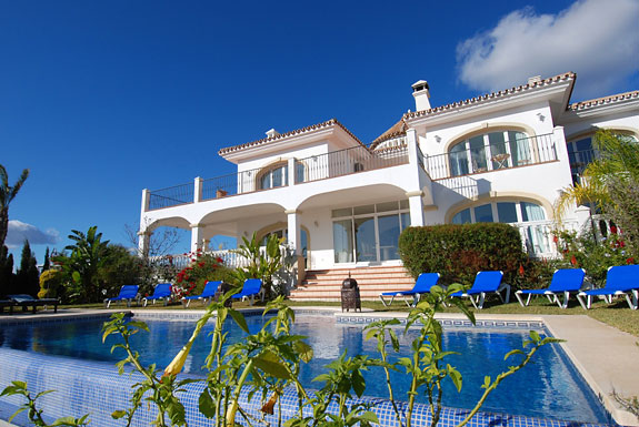Torre Redonda holiday villa, Mijas, Spain